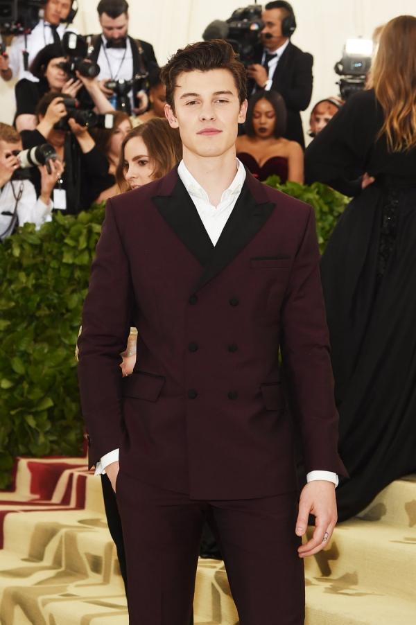 Shawn Mendes elegant, Shawn Mendes lịch lãm