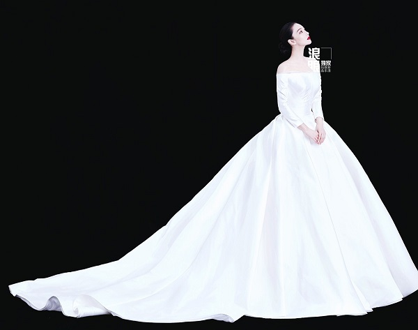 Trương Hinh Dư bất ngờ kết hôn với quân nhân Hà Tiệp: một chuyện tình tưởng chỉ có ở trong phim